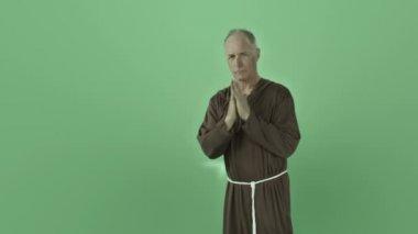 Monk praying — Stock Video