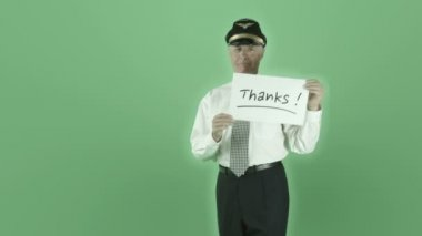 Airplane pilot holding thanks sign — Stock Video