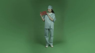 Chirurg triest in liefde romantiek — Stockvideo
