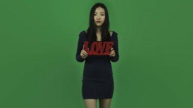 Meisje depressief met romantiek liefde — Stockvideo