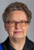 Head of senior woman wearing glasses — Zdjęcie stockowe
