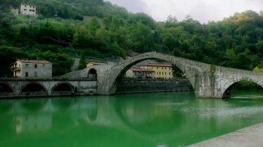 Ponte Della Maddalena in Lucca Italy — Stock Video