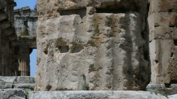 Cerrar collumn templo griego — Vídeo de stock