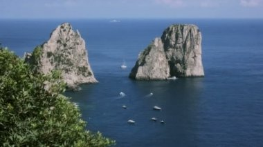 Famous Stacked Rock Formations of Capri Italy — Stock Video