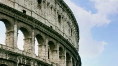 Side Angle of the Rome Colosseum in Italy — Stock Video