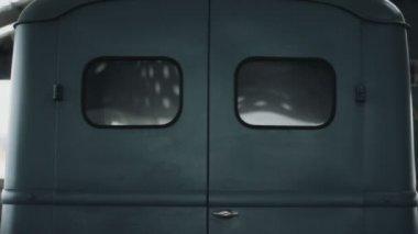 Back Doors Classic Van — Stock Video