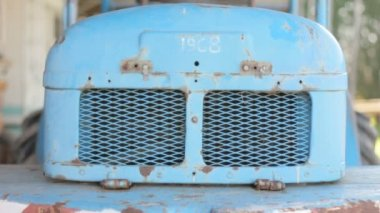 Back Engine Ventilation Classic Fork Truck 1968 Blue Metal Rust — Stock Video