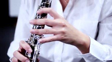 Oboist close up — Stock Video