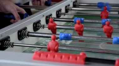 Playing foosball — Stock Video