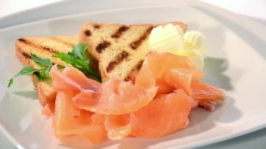 Fresh salmon appetizer — Stock Video