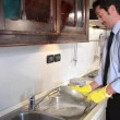 Businessmwashing dishes — Stock Video #39374815