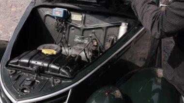 The engine of a classic car — Vidéo