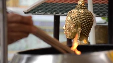 Incense and buddha statue — Stock Video