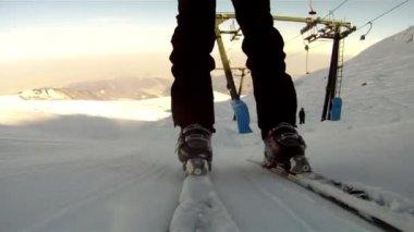 Ridning en skidlift — Stockvideo