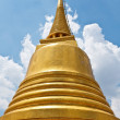 Golden Pagoda against blue sky — Lizenzfreies Foto