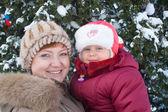 Moeder met kleine meisje — Stockfoto