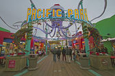 LOS ANGELES DECEMBER24th:Pacific park in Los angeles beach with — Stock Photo