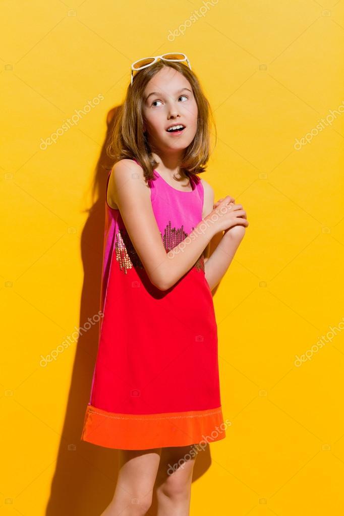 Девочка модная петь