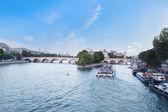 řeky seiny v paříži, francie — Stock fotografie