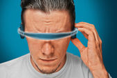 Man in hi-tech glasses — Stockfoto