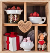 Wooden shelf decorated for Valentine — Stock Photo