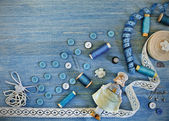 Buttons and thread, accessories for sewing — Stock Photo