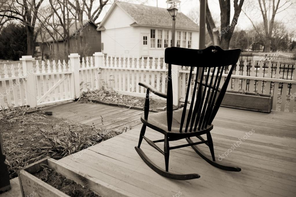 Old rocking chair stock photo rcreitmeyer 34835873 for Veranda schaukelstuhl
