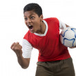 jogador de futebol ou jogador de futebol, mostrando a agressão — Foto Stock