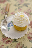 Cupcake with vintage setting — Stock Photo