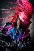 Meisje beweging kleur haar prachtige — Stockfoto