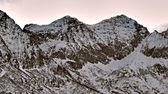 Verschneite braun berg, morgenlicht - hafling — Stockfoto