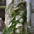 Angel on tombstone on old cemetery — Stockfoto