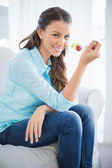 Attractive woman eating healthy salad — Stock Photo