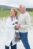 Relaxed romantic senior couple at beach — Stock Photo