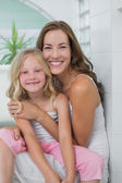 Portrait of a smiling mother and daughter — Stock Photo