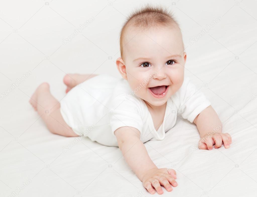 笑的可爱宝贝– 图库图片