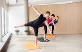 瑜伽课 — 图库照片