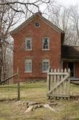 Eski tuğla çiftlik evi — Stok fotoğraf
