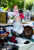 Antique dolls and items at Antiques on the bluff — Stock Photo