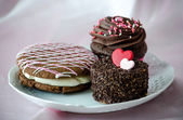 Decadent pastries for valentines day — Stock Photo