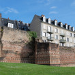 Ancient boundary wall in the French city Le Mans — Photo