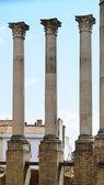 Antiguas columnas del templo romano de córdoba — Foto de Stock