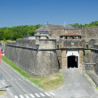 Stockfoto: Fortified walls of French medieval town