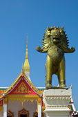 Entrance of the Buddhist temple in Thailand — Stock Photo