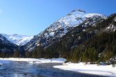 Marcadau valley in winter Pyrenees — Stockfoto