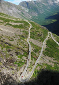 Mountain slope with serpentine road. Trollstigen. — Stock Photo