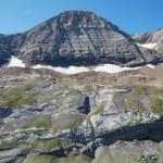 Popular mountain Taillon in summer. — Stock Photo