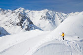 Skiing in the spring Pyrenees — Stock Photo