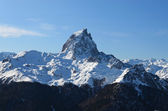 The pic du Midi d'Ossau in French Pyrenees. — Stock Photo