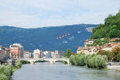 "View of Grenoble with the cable cars ""Les Bulles"". — Stock Photo"